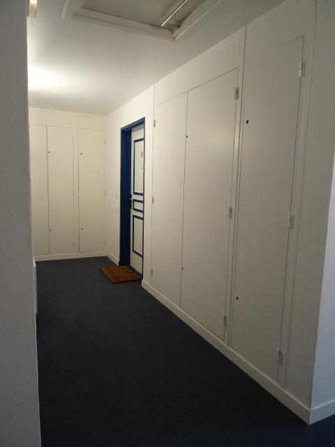 Couloir d\'accès à l\'appartement